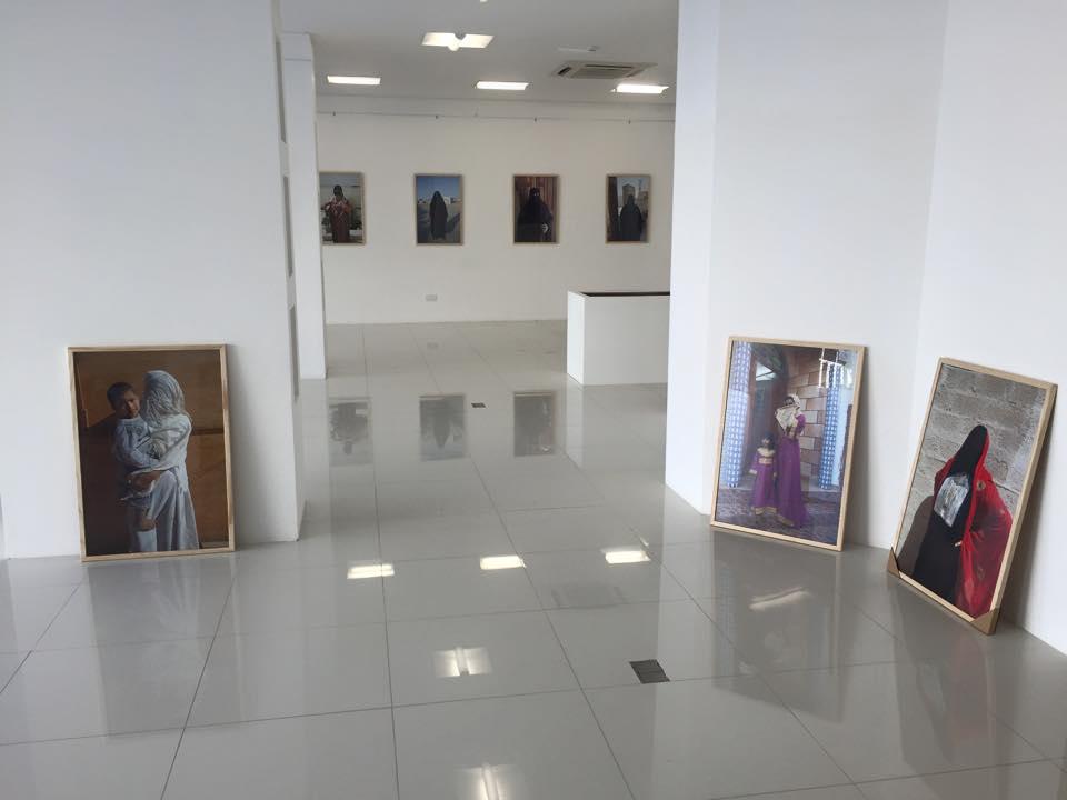 Omani Women, Gallery Sarah, Bait Al Zubair Museum, Muscat, Oman. copyright Helen Couchman 2